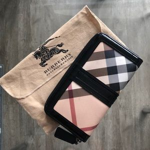 Burberry Classic Long Wallet